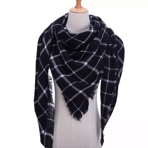Accessories - NEW Fringe Blanket Scarf Shawl in B & W Plaid